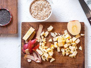 La manzana y la avena hacen una combinación perfecta. / Foto: Unsplash