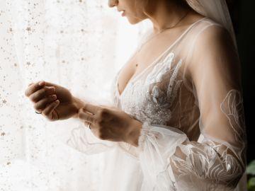 Lava a mano las prendas delicadas de tu armario. / Foto: Freepik