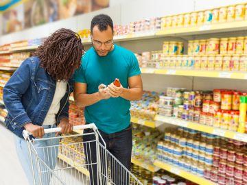 Los beneficiarios adquieren sus alimentos en los supermercados. / Foto: Freepik