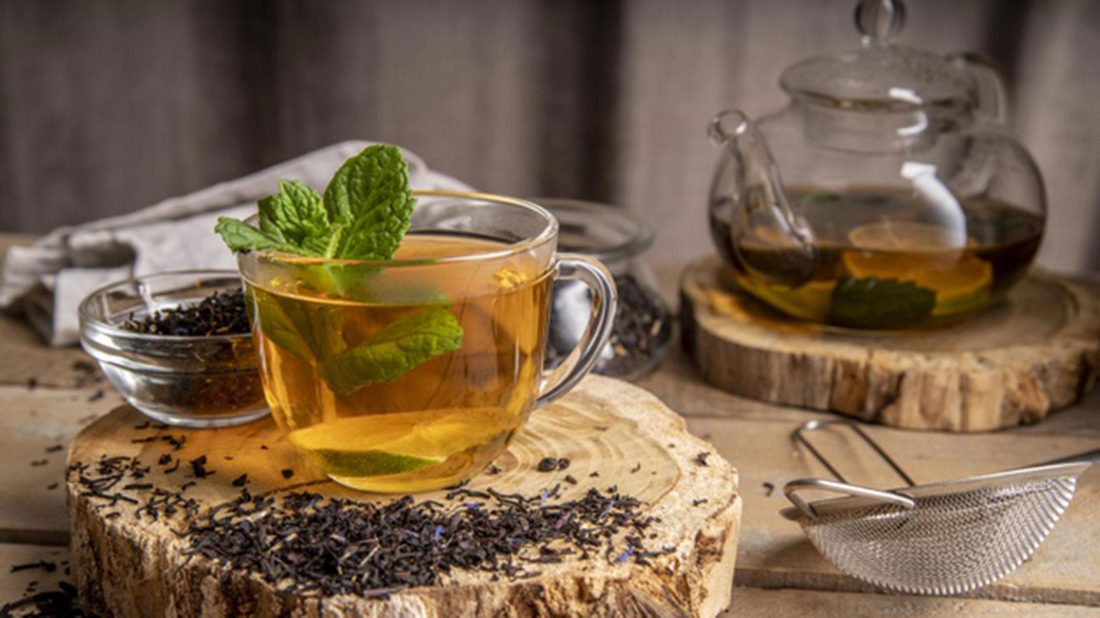 agua o té de menta