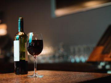Tomar entre dos y 7 copas a la semana es beneficioso para nuestro organismo. / Foto: Freepik
