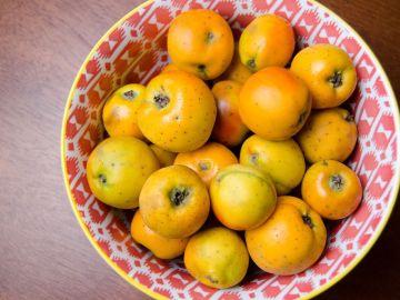 La fruta del tejocote es el ingrediente principal para las cápsulas para adelgazar. / Foto: shutterstock