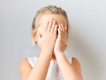 Los niños mienten para evitar ser castigados. / Foto: Freepik.