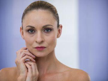 Estas sugerencias te ayudarán a mantener tu piel sana por muchos años. / Foto: Wave Break Media Micro - Freepik.
