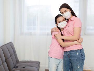 Hasta que no se acabe la pandemia, se deberá usar el cubrebocas. / Foto: Freepik.