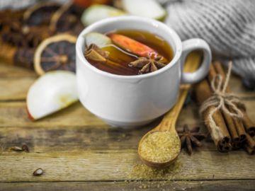 té de piña con canela