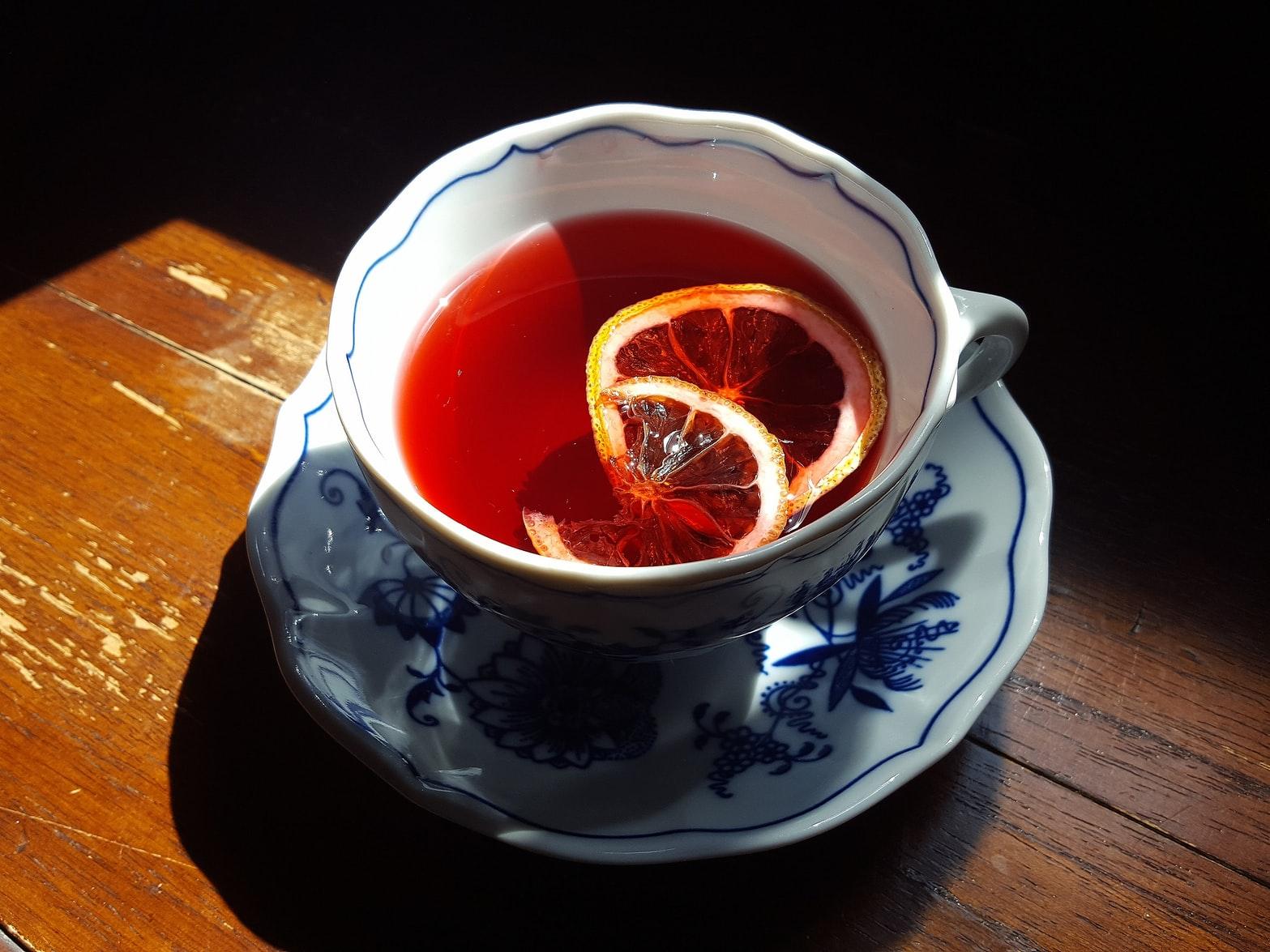 Agua o té de jamaica