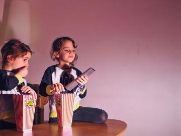 La televisión les impide realizar otras actividades. / Foto: Freepik.