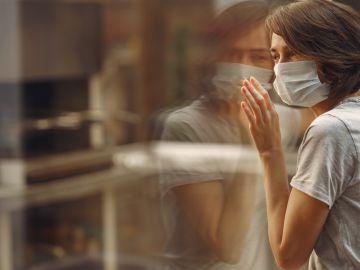 El encierro está afectado a millones de personas en el mundo. Foto: / Freepik.