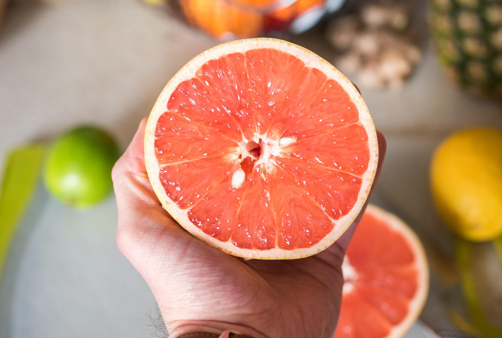 jugo verde de toronja y piña