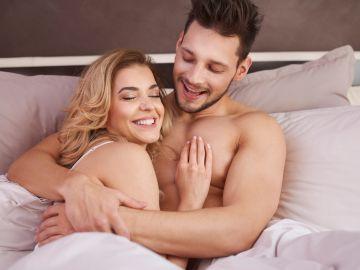 Compartir las últimas horas antes de dormir es beneficioso para la relación. / Foto: Gpoint Studio - Freepik.
