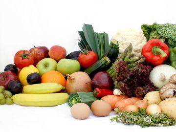 Comer más de esas cantidades no mejorará la salud. / Foto: Kjpargeter -Freepik.