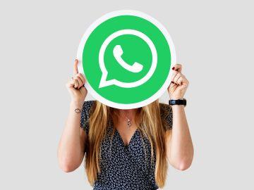 Con esta actualización de Whatsapp para escritorio, podrás comunicarte con tu familia desde tu computadora. / Foto: Raw Pixel - Freepik.