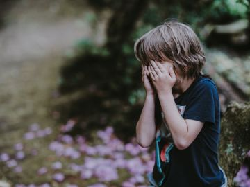 Por qué mi hijo hace pis cada cinco minutos