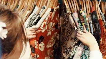 6 trucos para transformar tu ropa de siempre si estas embarazada