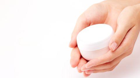 9 usos de la vaselina para el cuidado de la piel que ni sabías