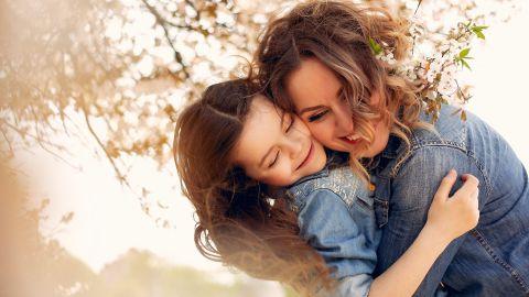 Día de la Madre 2021: las 10 mejores frases célebres para dedicarle