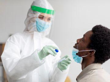 ¿Es necesario hacer el test de Covid si ya estás vacunado?
