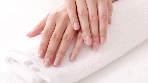 Estas vitaminas harán que tus uñas crezcan fuertes y saludables