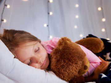 cómo lograr que tu hijo duerma solo