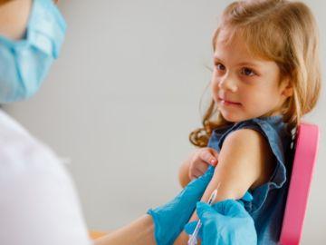 vacunas contra COVID-19 a niños
