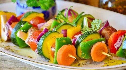 Cómo ayuda a bajar de peso comer dos porciones de verduras al día según un dietista