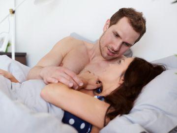mentiras de los hombres en la cama